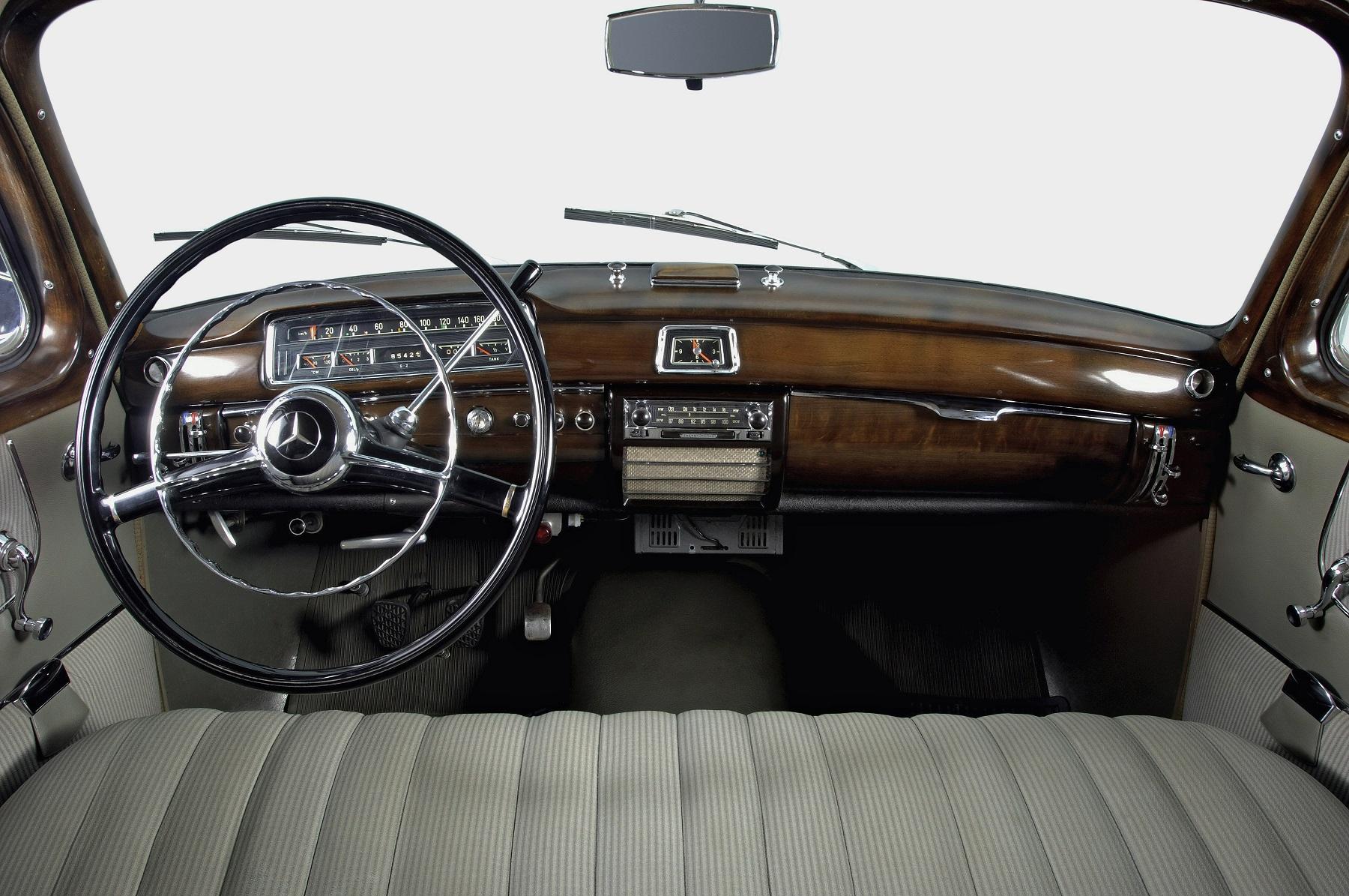 120 rokov volantu Mercedes: Od tyče až po kapacitnú veliacu centrálu
