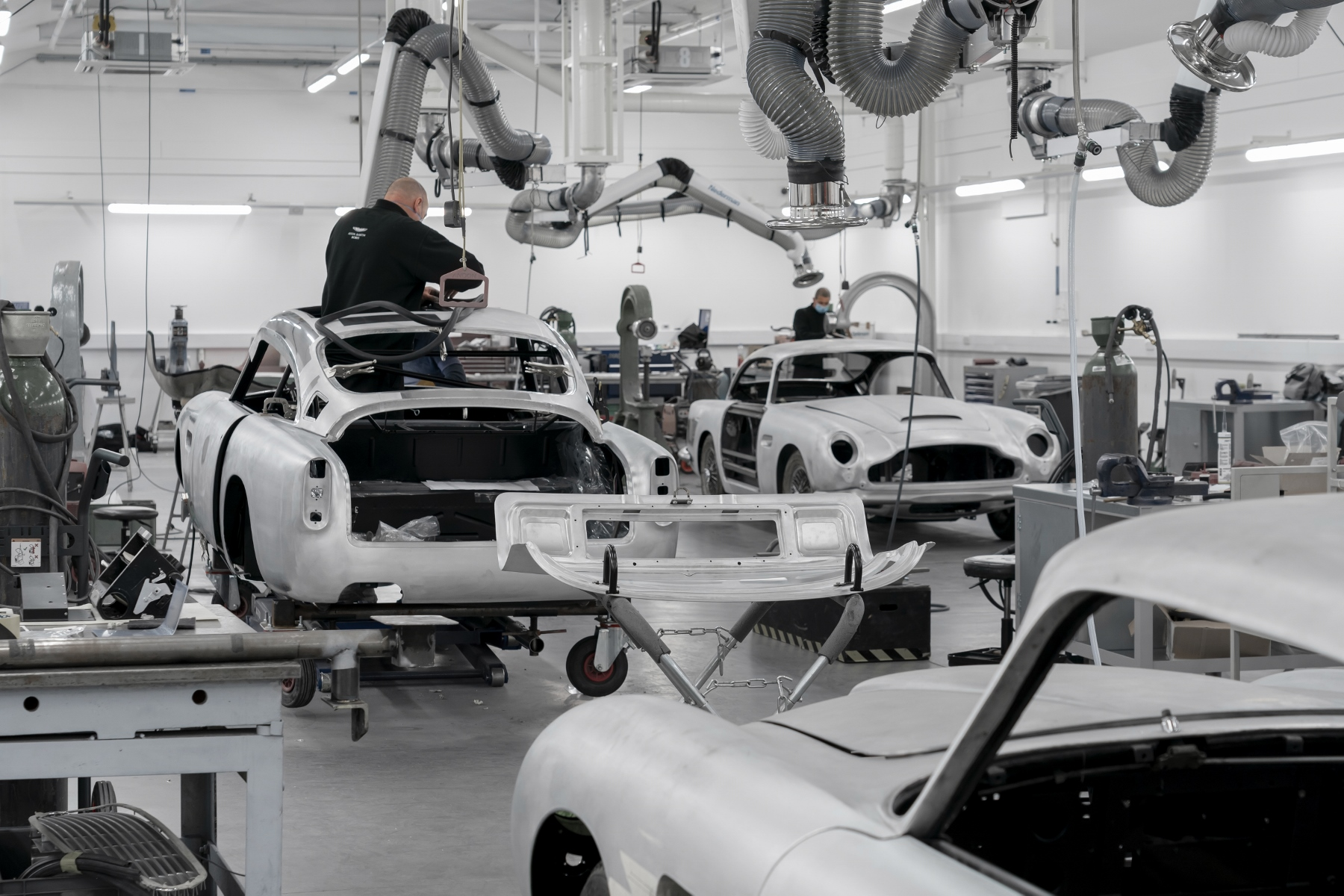 Aston Martin DB5 Goldfinger Continuation (3)