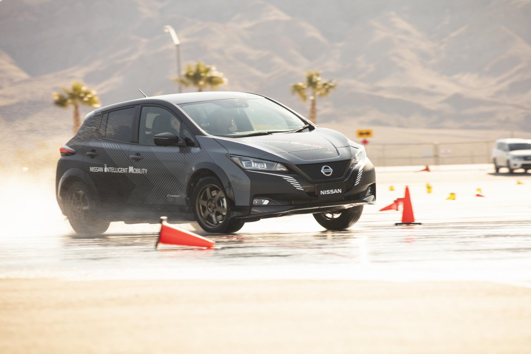 Nissan Leaf prototyp (10)