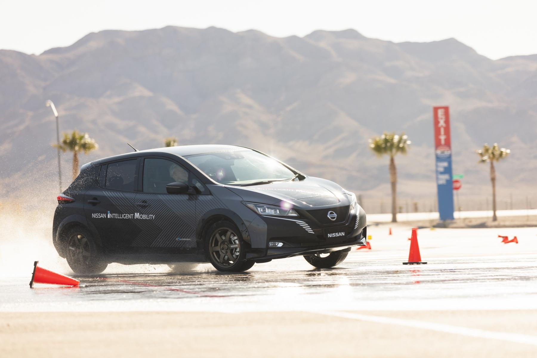 Nissan Leaf prototyp (8)