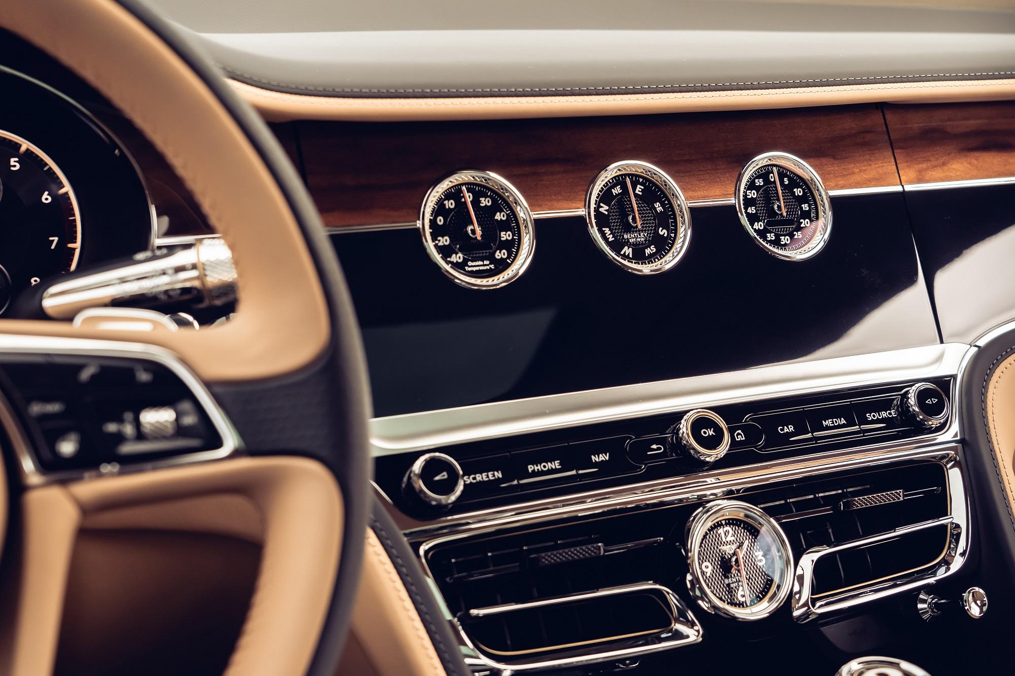 BentleyRotatingDisplay-4
