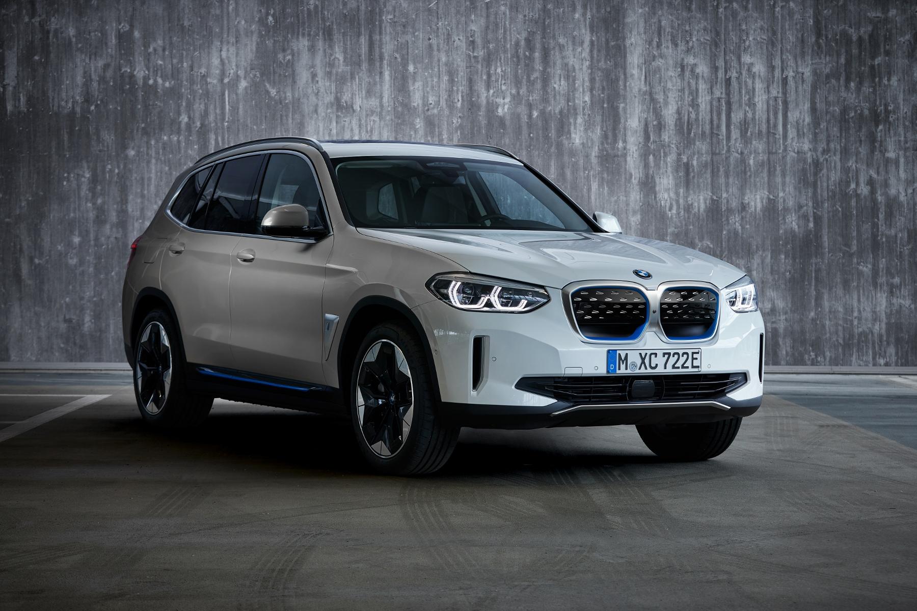 BMW iX3 (8)