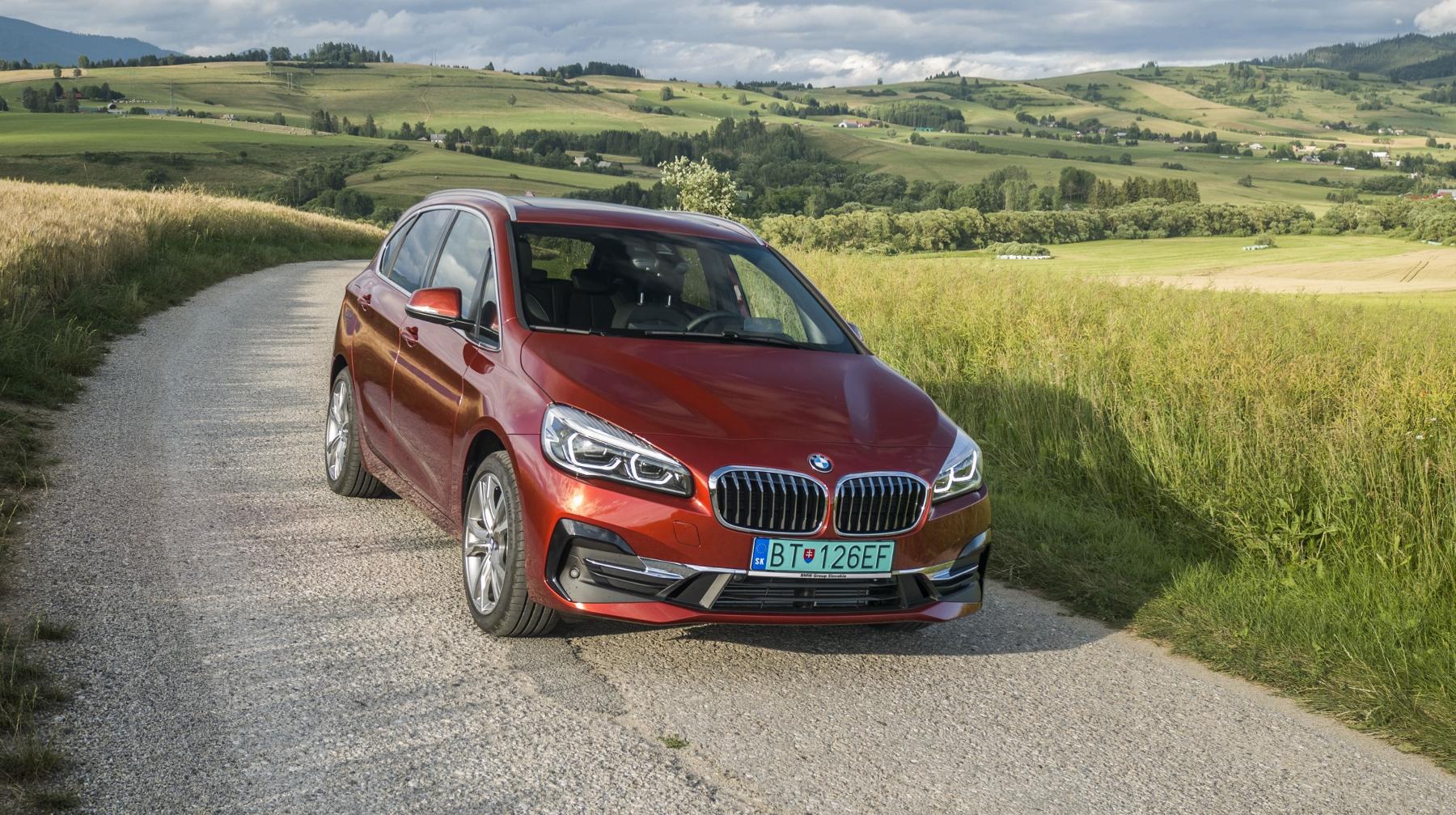 BMW 225 xe (1)