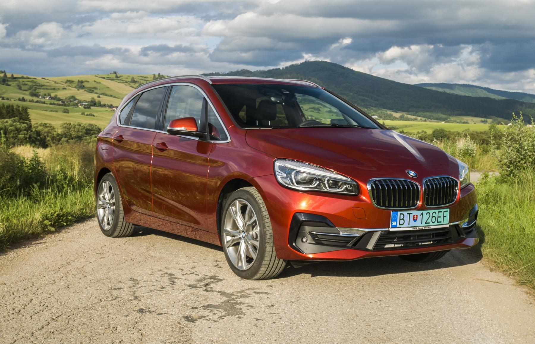 BMW 225 xe (10)