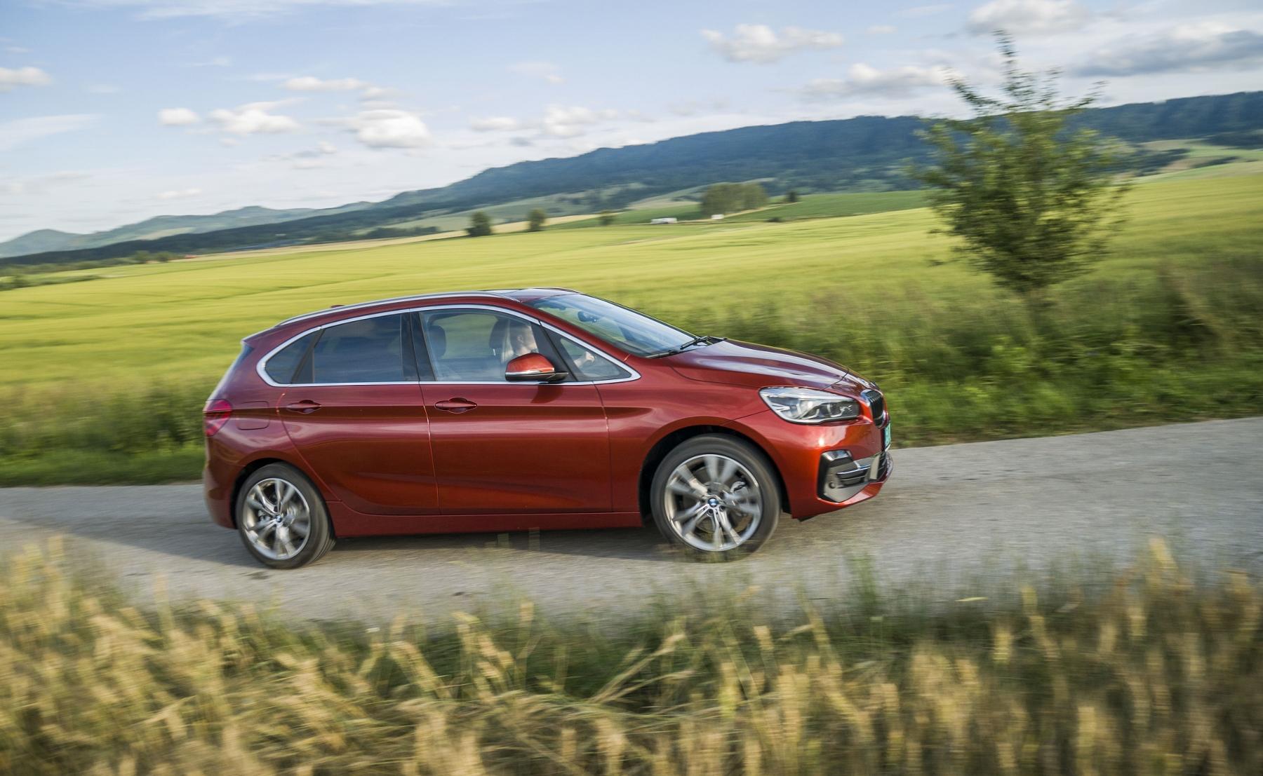 BMW 225 xe (15)