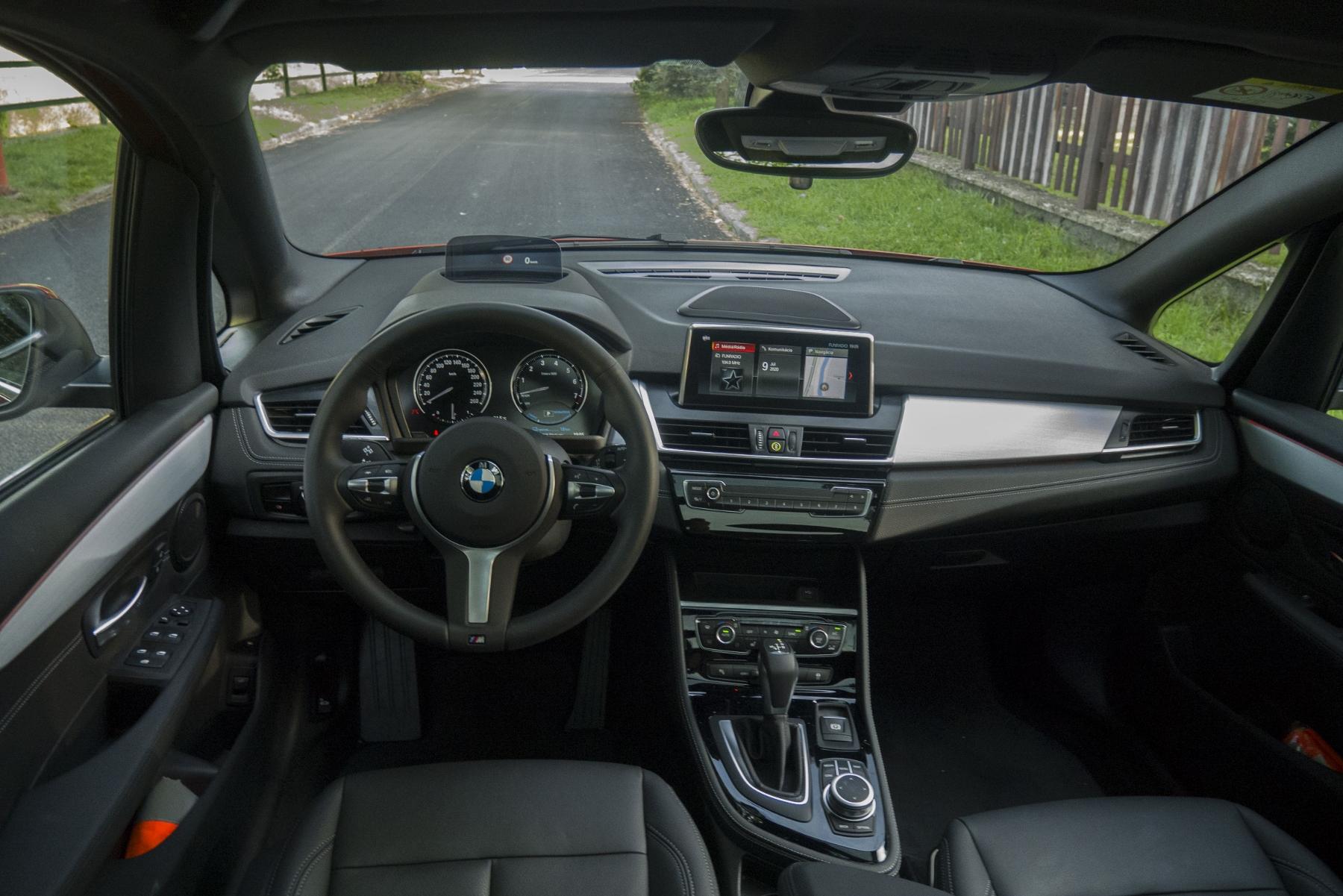 BMW 225 xe (21)