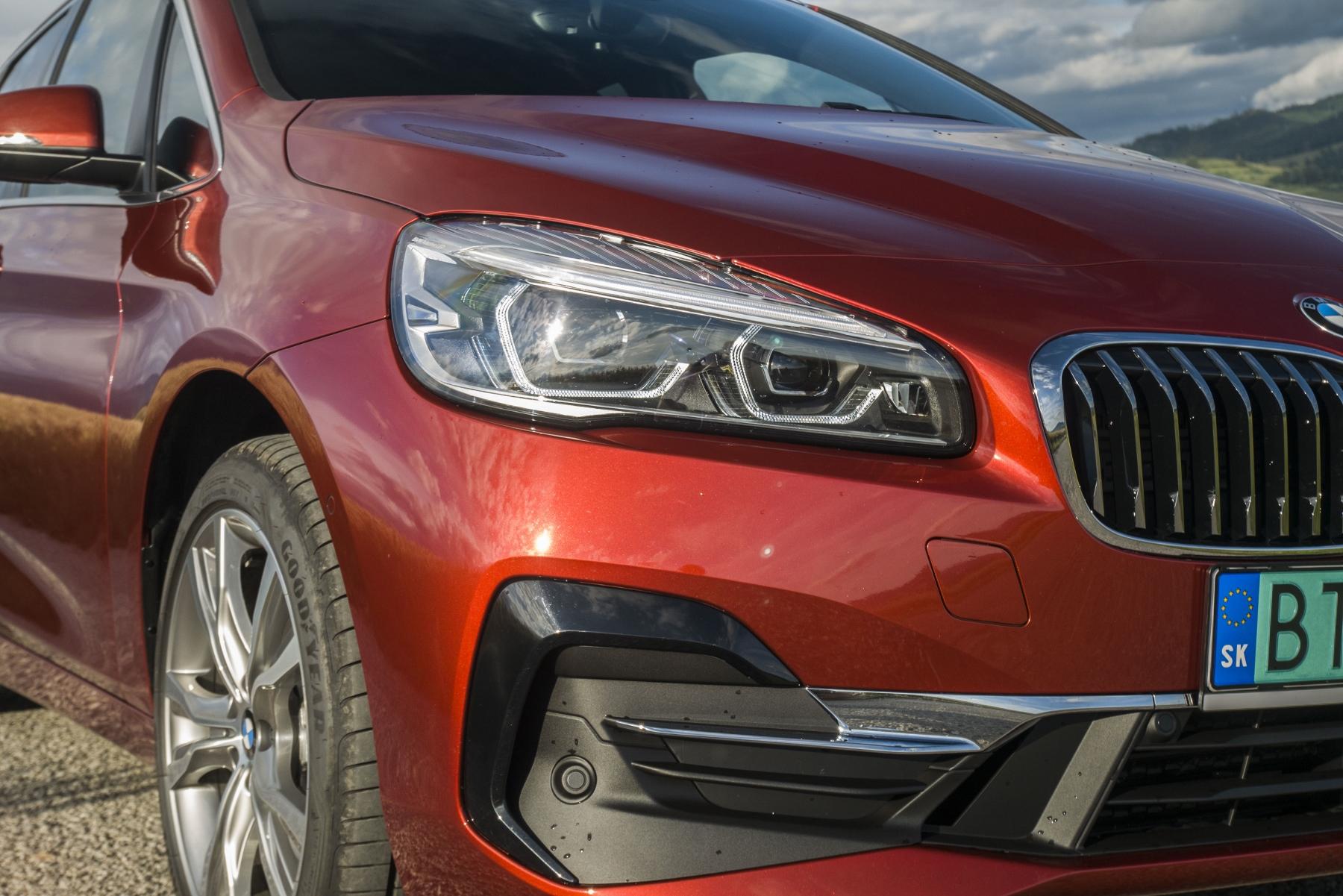 BMW 225 xe (3)