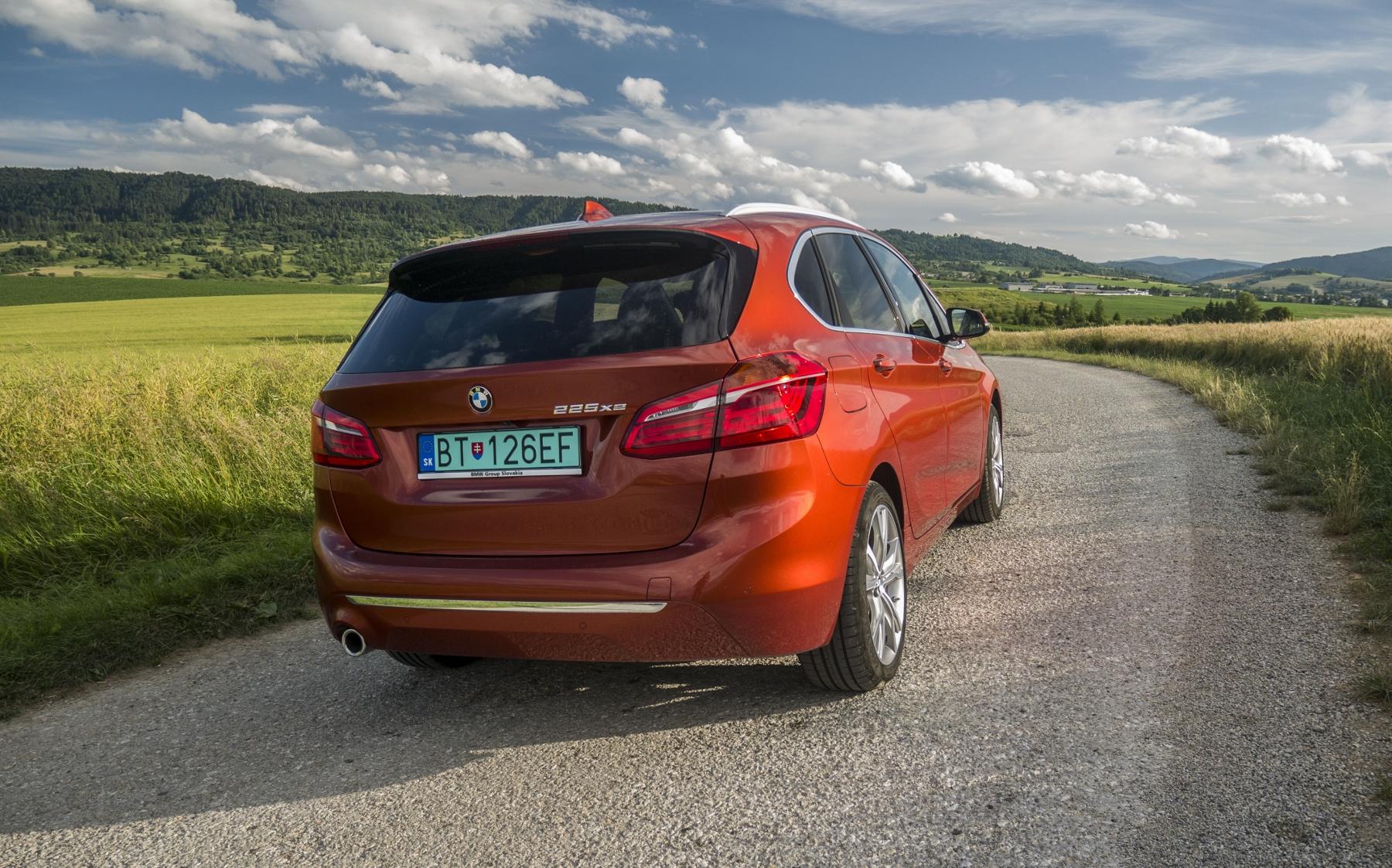 BMW 225 xe (4)