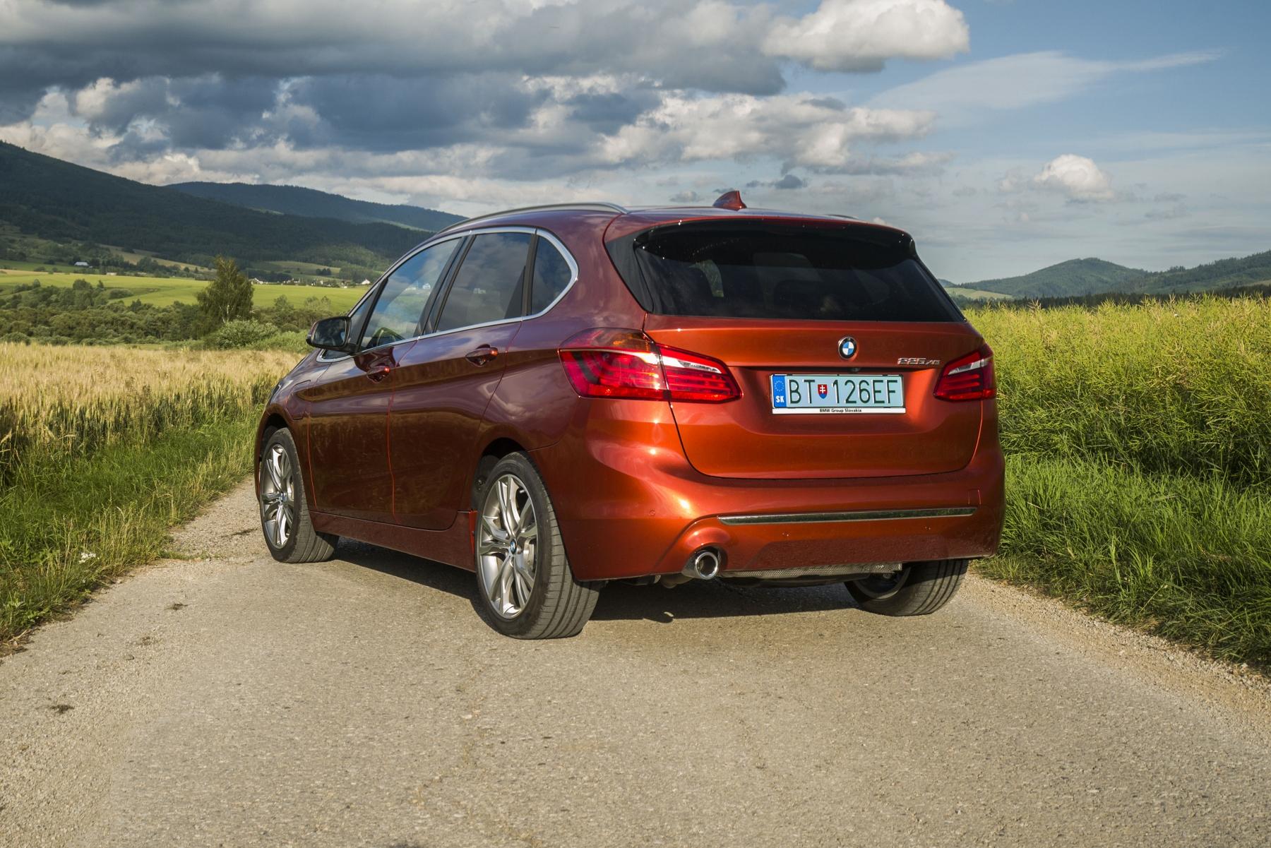 BMW 225 xe (8)