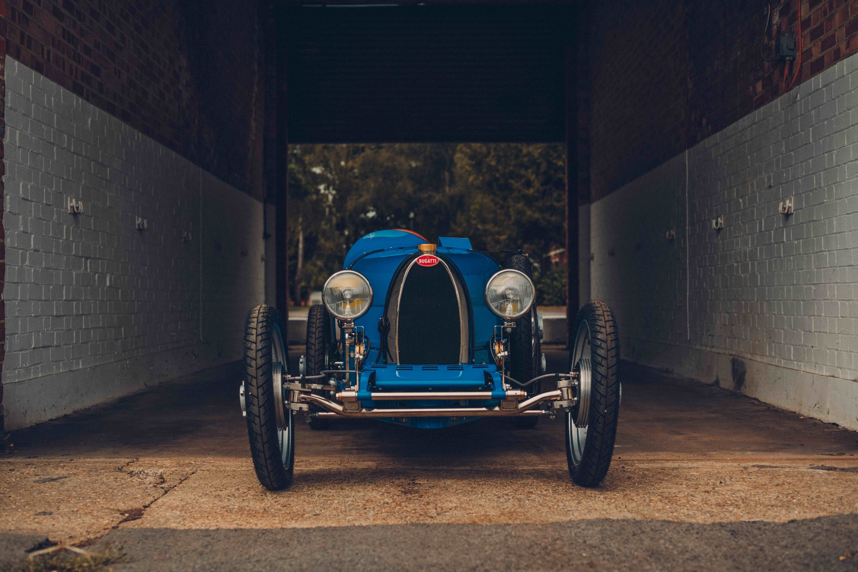 Each Bugatti Baby II sports the distinctive _Macaron_ badge (1700x1134)