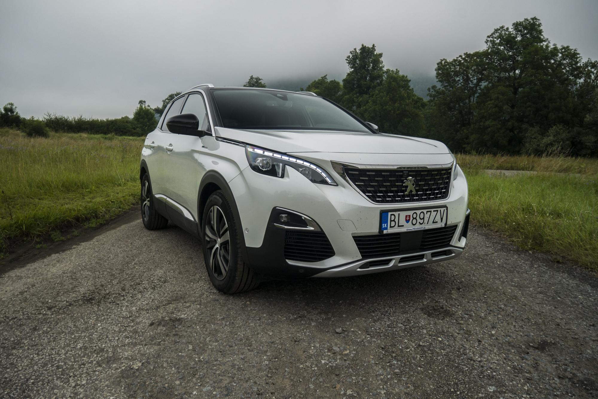 Peugeot 3008 Hybrid4 (1)