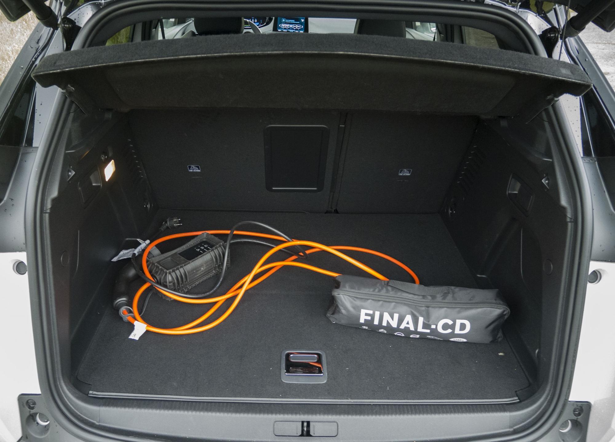Peugeot 3008 Hybrid4 (15)