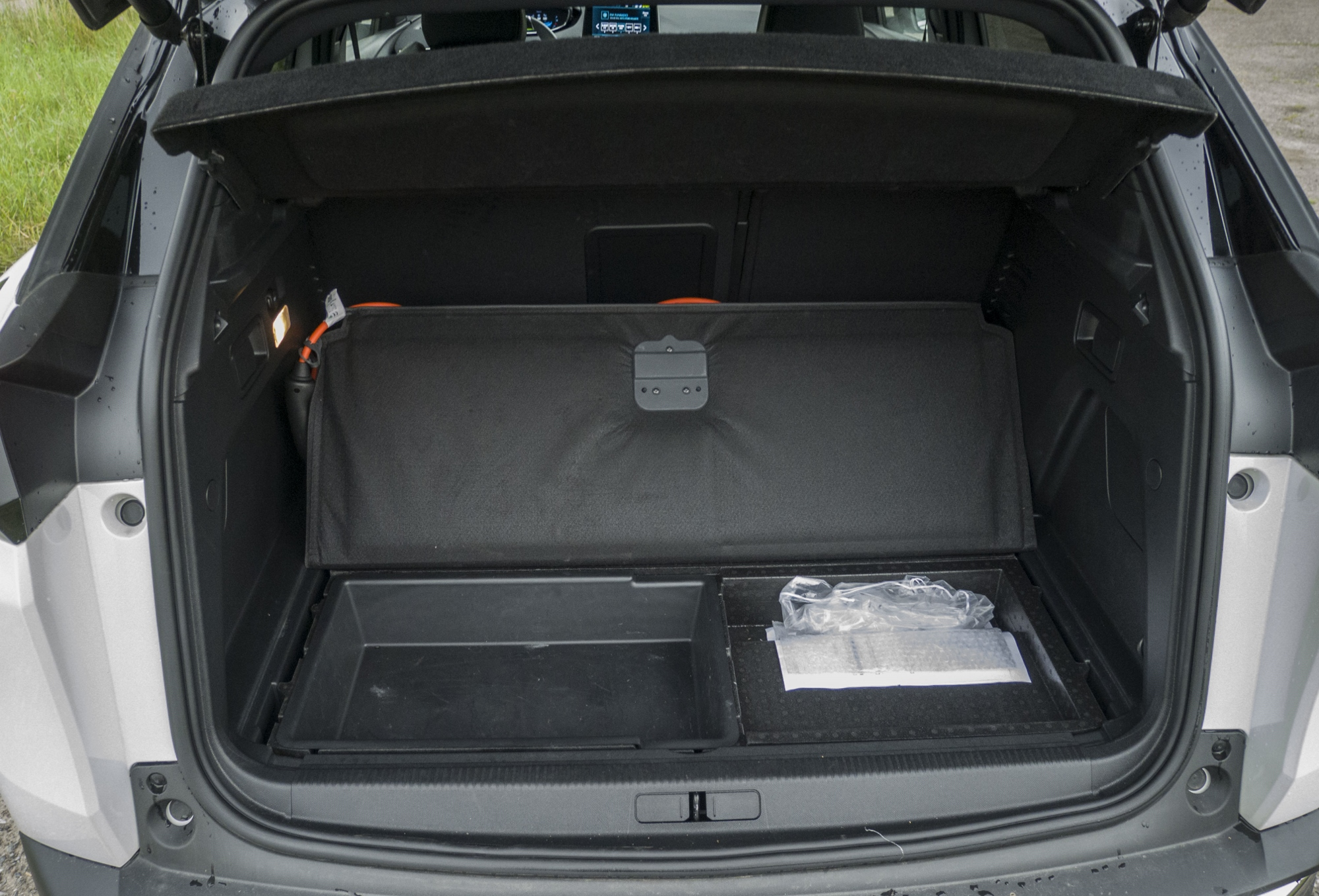 Peugeot 3008 Hybrid4 (16)