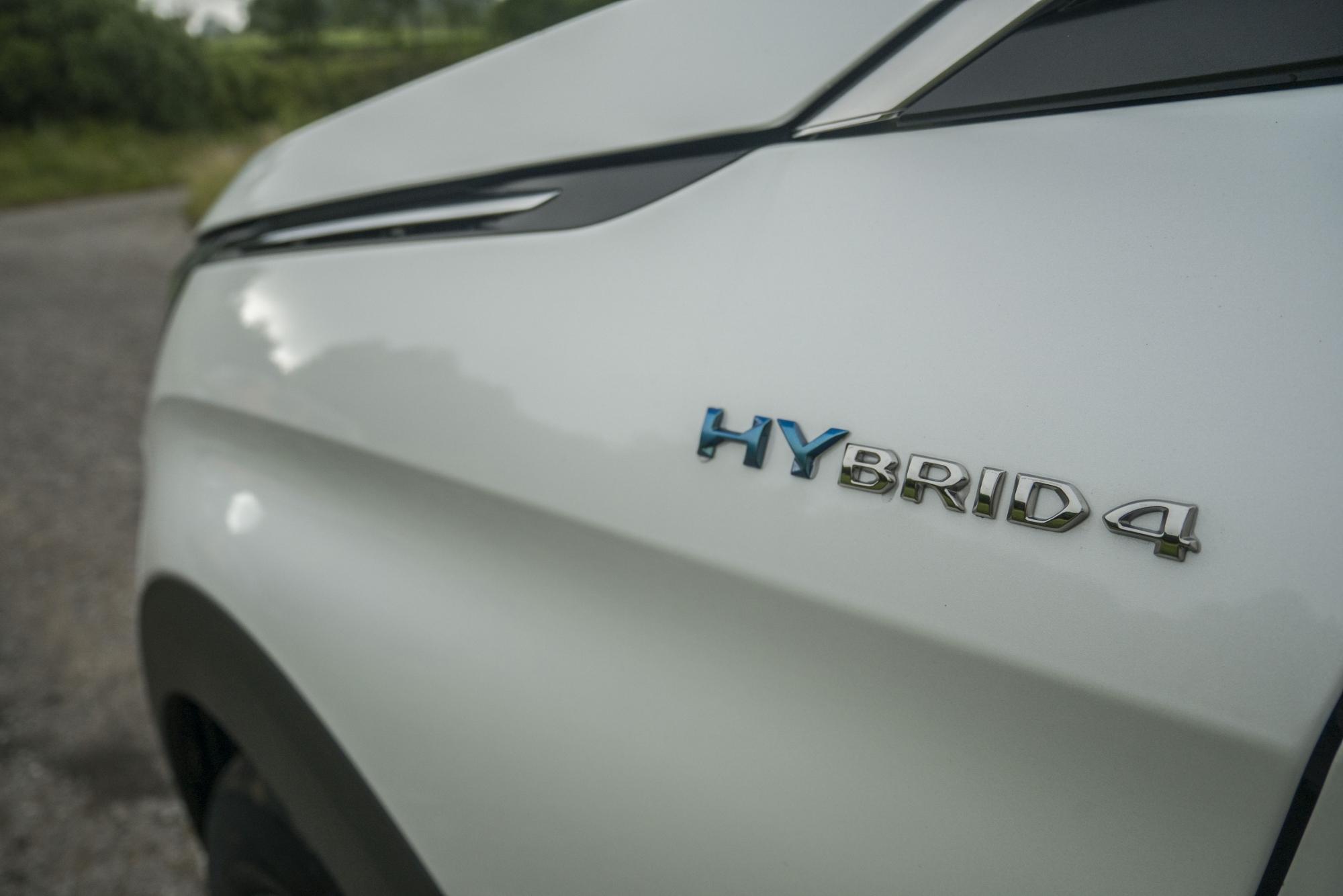 Peugeot 3008 Hybrid4 (20)