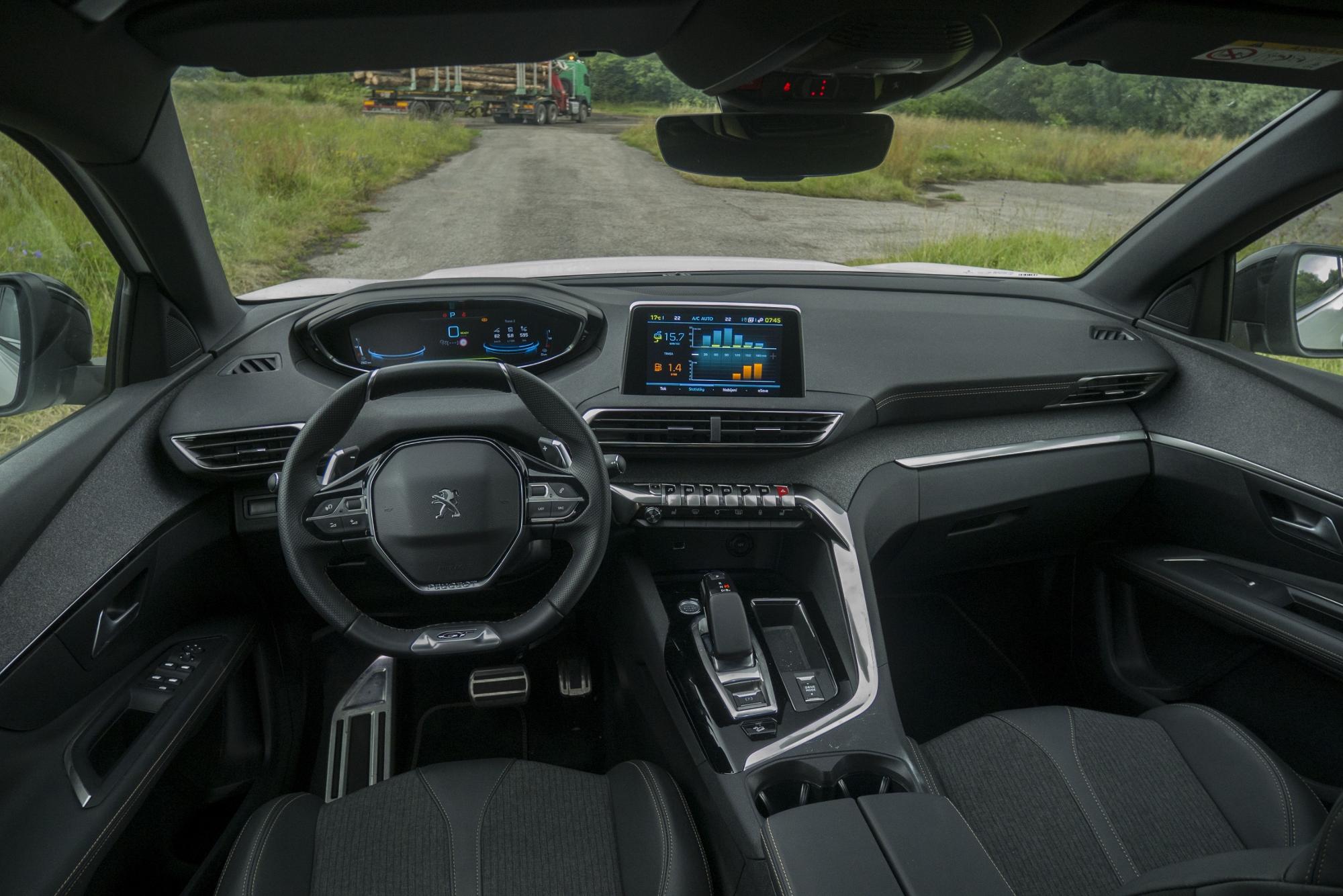 Peugeot 3008 Hybrid4 (7)