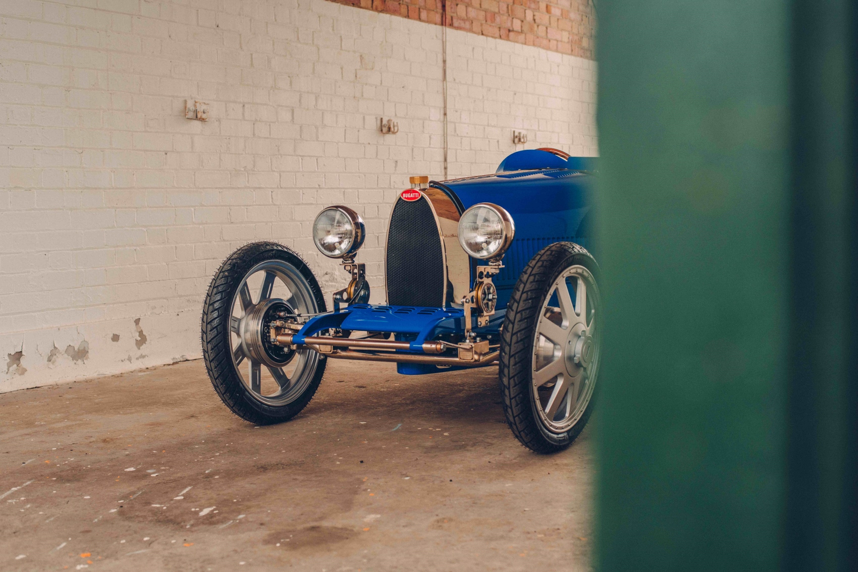 The egg shape radiator, synonymous with Bugatti (1700x1134)