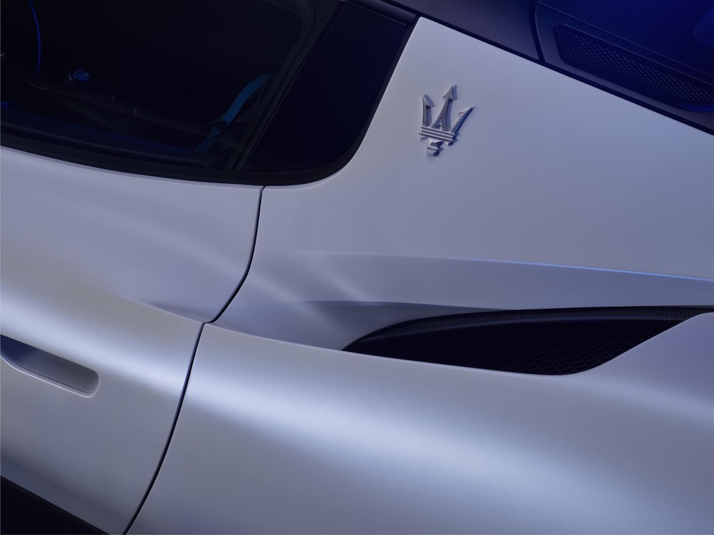 19_Maserati_MC20 (1500x1125)