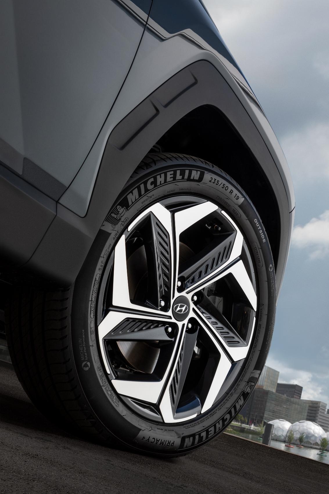 all-new Hyundai Tucson (10) (1133x1700)