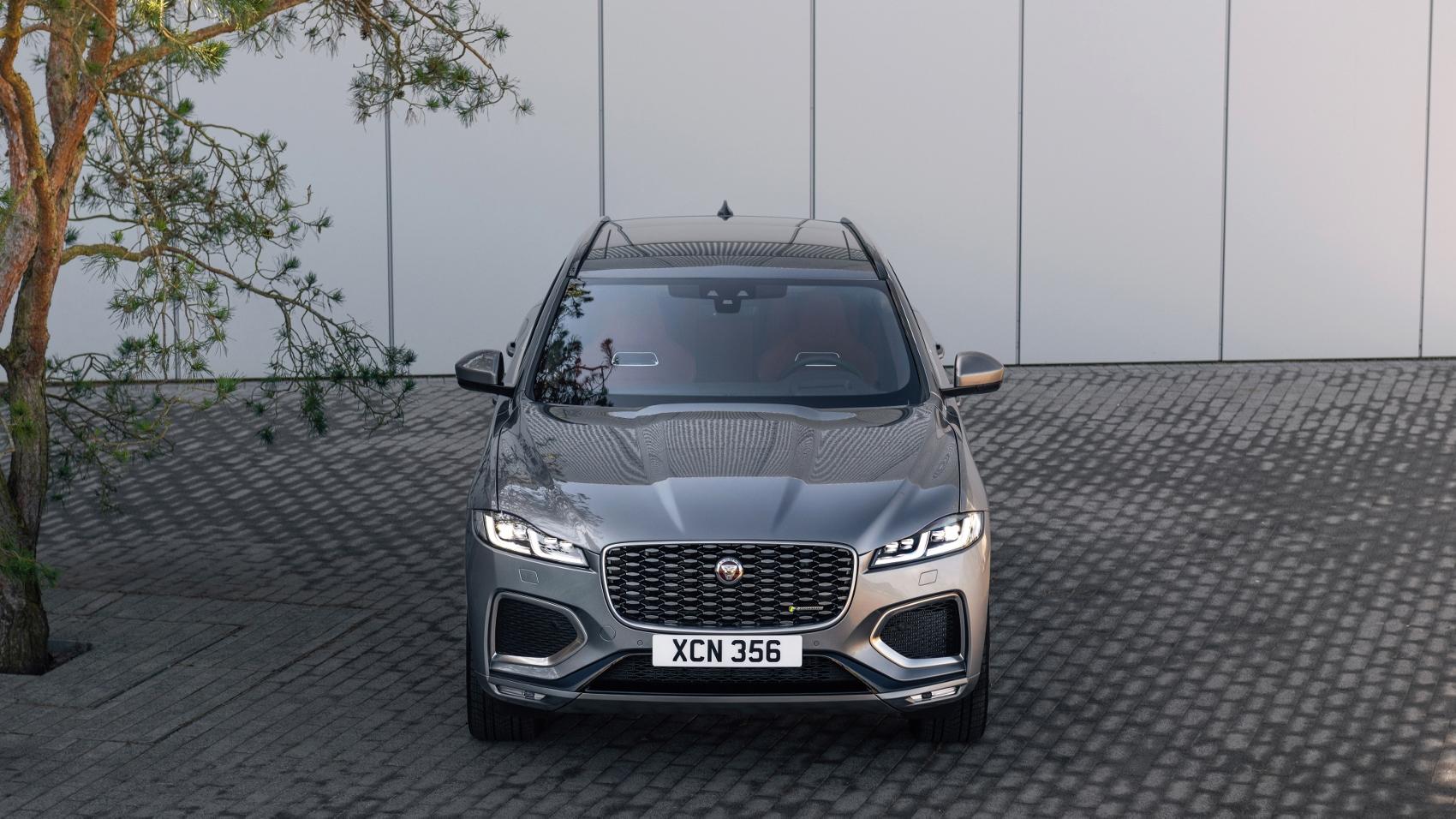 Jaguar F-Pace (8)