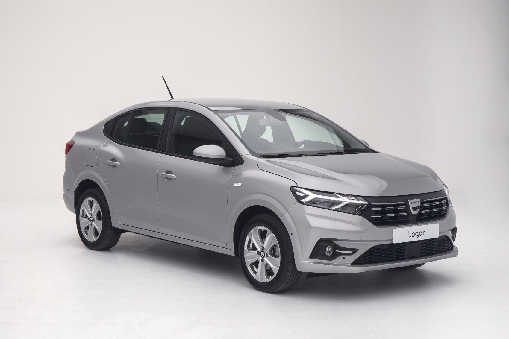 2020 - New Dacia LOGAN (3) (1700x1133)
