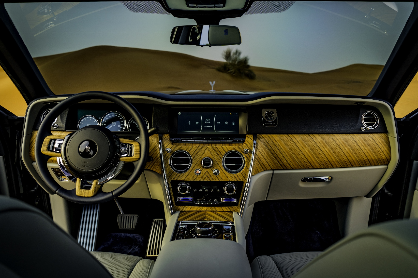 Rolls Royce Cullinan (24)