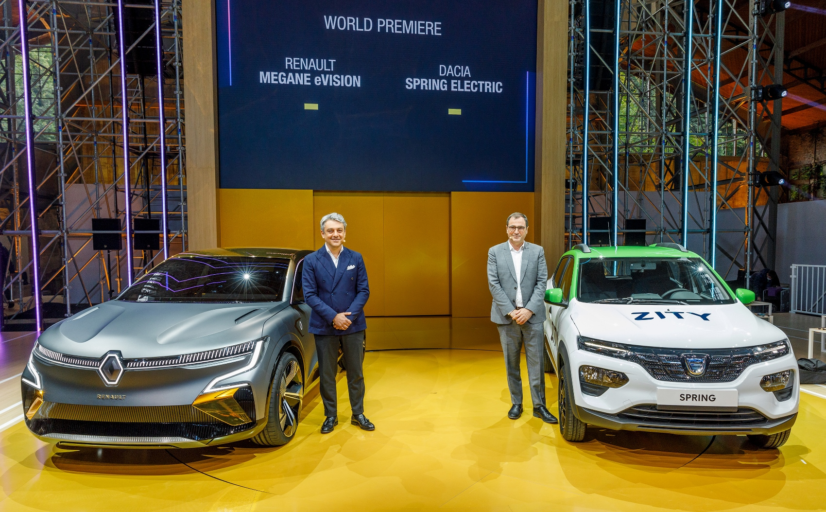 2020 - Renault eWays press conference (10) (1700x1053)