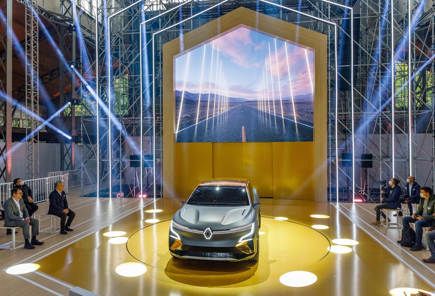 2020 - Renault eWays press conference (1700x1159)