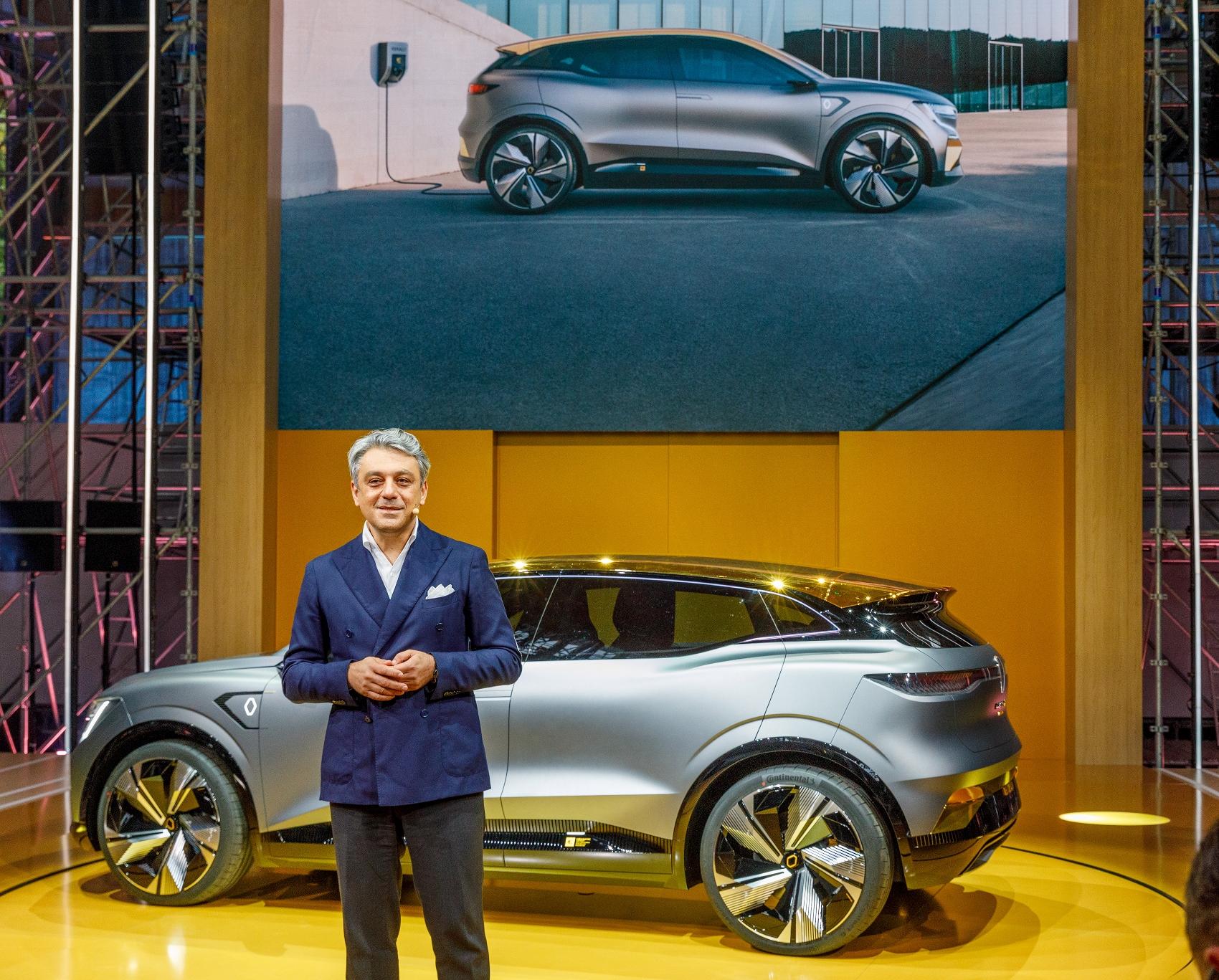 2020 - Renault eWays press conference (2) (1700x1367)