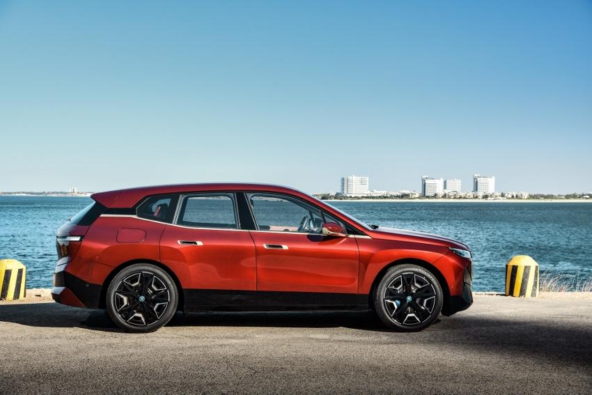 BMW iX (13)