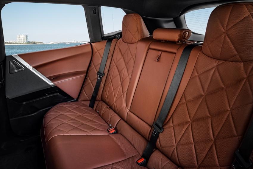 BMW iX (17)