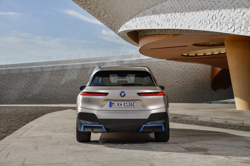 BMW iX (24)