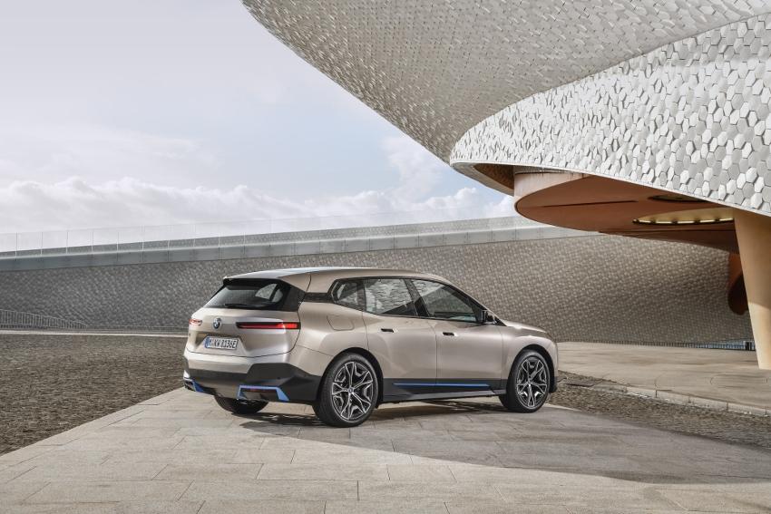 BMW iX (25)