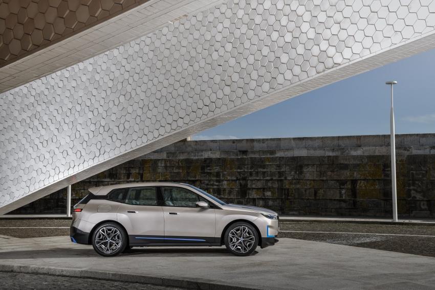 BMW iX (26)