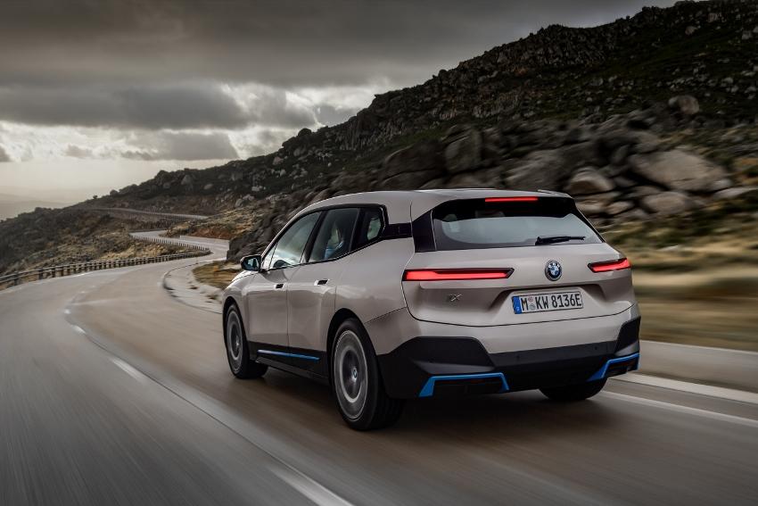 BMW iX (4)