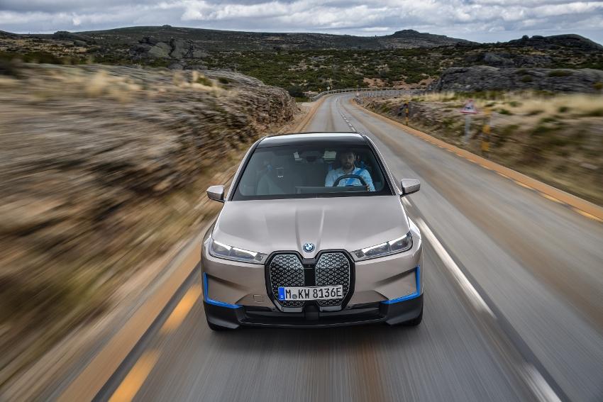 BMW iX (7)