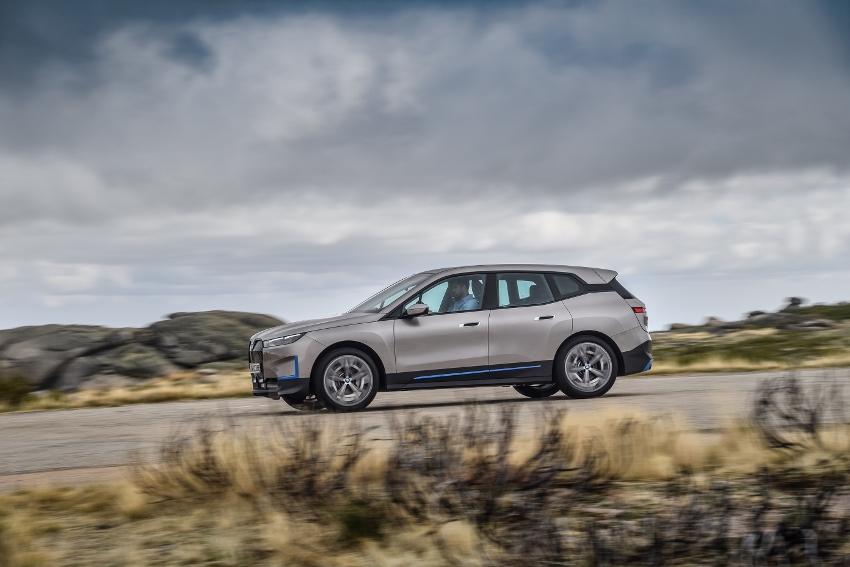 BMW iX (8)