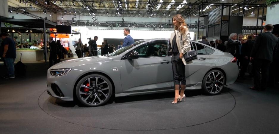 """Autosalón Frankfurt: """"Terénny"""" Opel Insignia Country Tourer vyniká priestorom vzadu"""