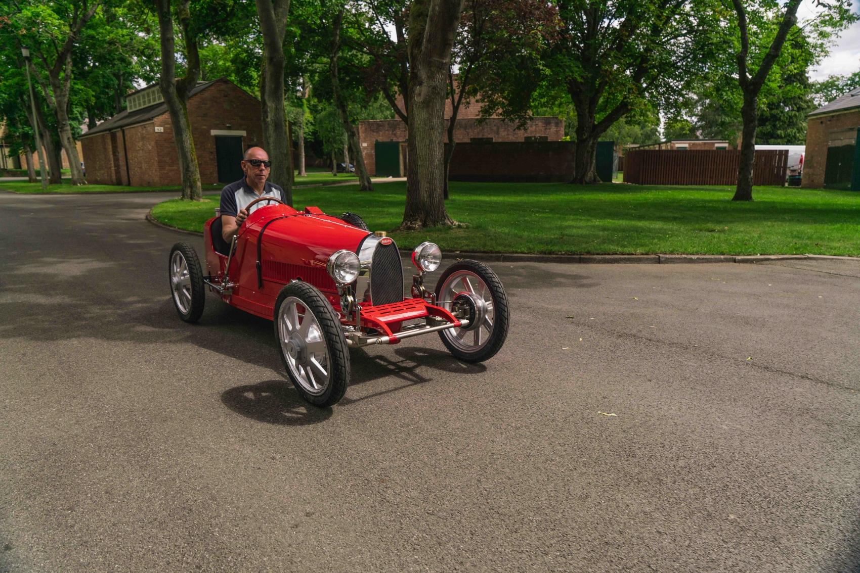 Baby Bugatti II prichádza. Hračka pre veľkých aj malých je drahá ako veľké SUV