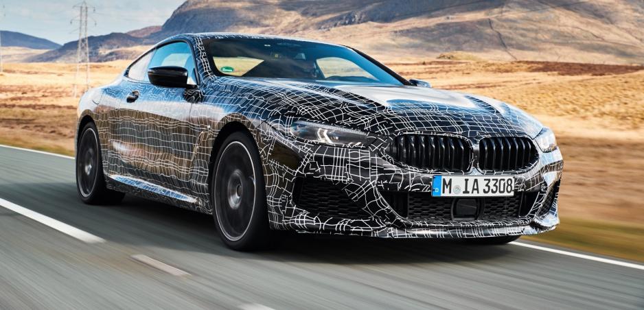 BMW M850i Coupé dostane vylepšený benzínový osemvalec