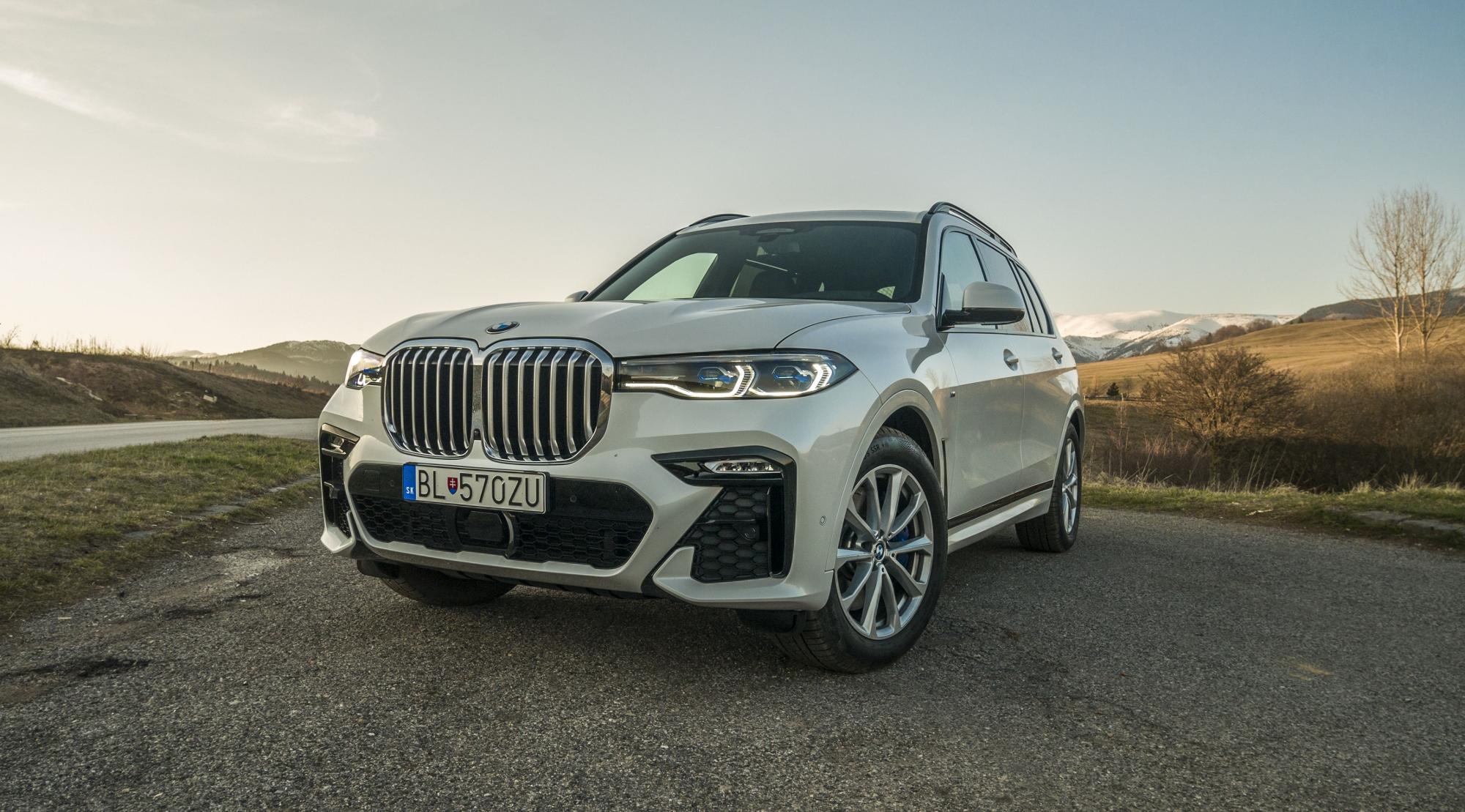 Test BMW X7 30d: Tank na kolesách prekvapil nízkou spotrebou na diaľnici