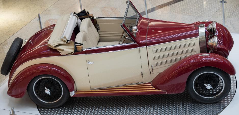 """Bugatti oslavuje 110 rokov výstavou """"Žijeme Bugatii"""". Zavíta aj do Bratislavy"""