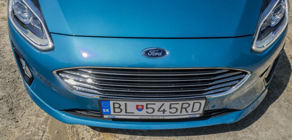 """Číňania neznášajú vôňu nového auta, preto Ford zvažuje """"pečenie"""" áut"""
