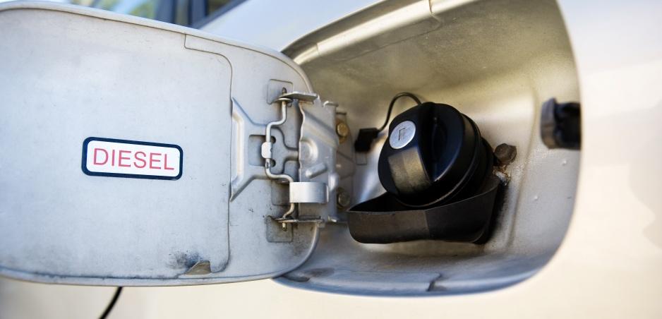 Dieselové autá môžu byť onedlho minulosťou. Volvo udelilo nafte červenú