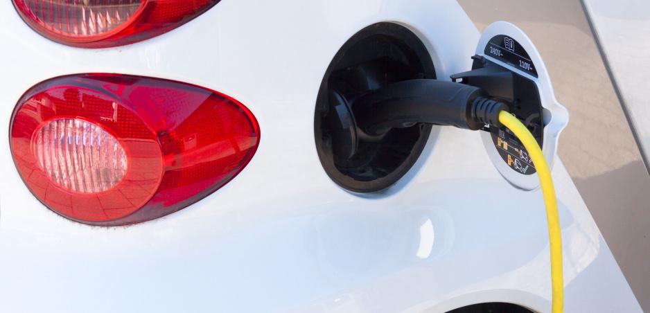 Elektromobily musia byť hlučné, tvrdí nové nariadenie EÚ