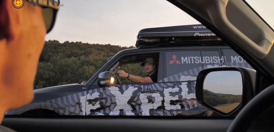 FUN TEST Truhlíka a Sajfu: V expedičnom Mitsubishi zdolávali terén a vyskúšali stan na streche