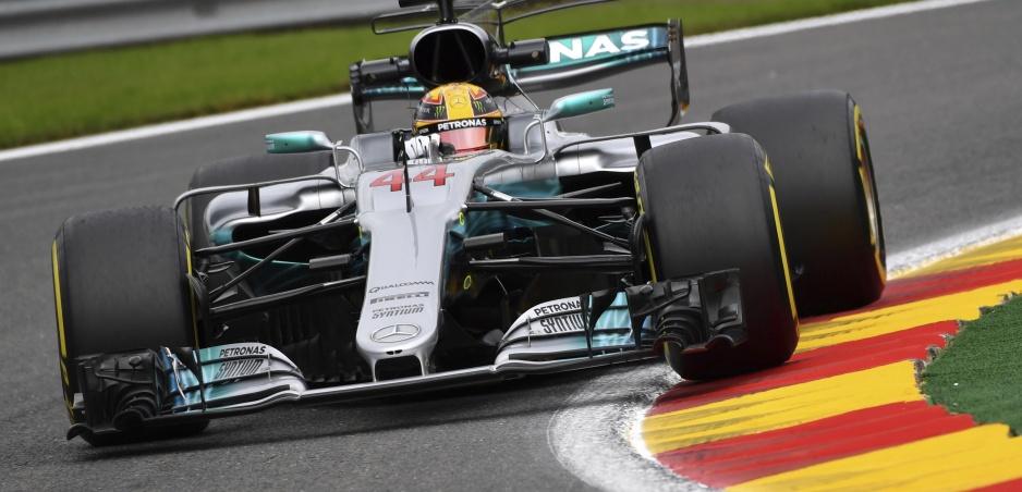 Hamilton sa v počte pole position vyrovnal Schumacherovi