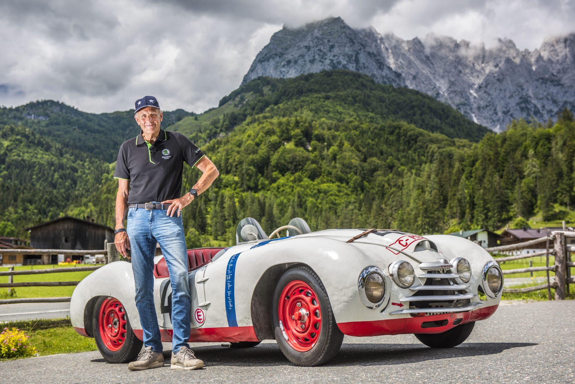 Hans-Joachim Stuck prevetral Škodu Sport, účastníka Le Mans v roku 1950
