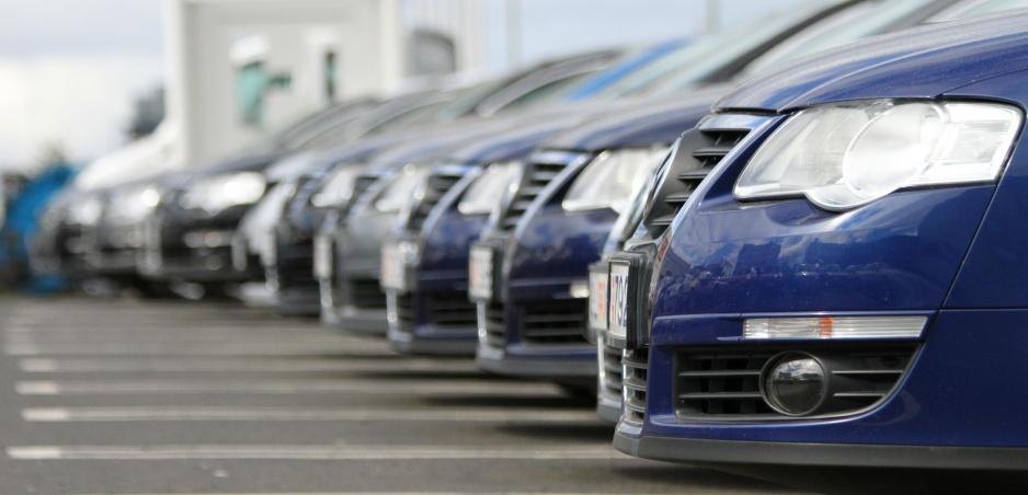 Auto je najhoršia investícia. Kedy kúpiť a kedy predať? (vyberáme z archívu)