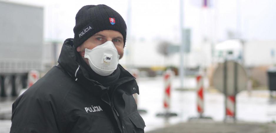 Jazdenie počas koronavírusu: Tieto úľavy avizovala polícia