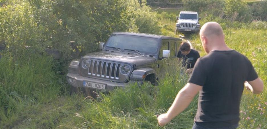 Jeep Wrangler Rubicon a Sahara Unlimited sme vyskúšali (samozrejme) v teréne